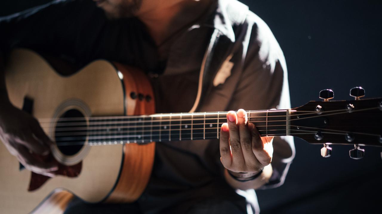 Online kurz Kurz Hry na Akustickou Kytaru: Pro Začátečníky
